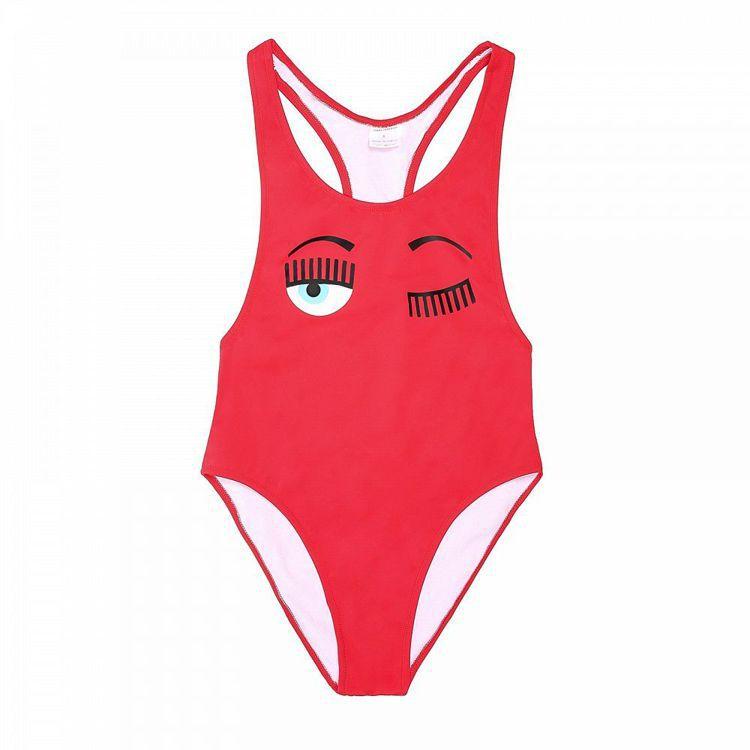 Chiara Ferragni泳衣系列同樣以標誌性的眨眼圖騰點綴,有多種顏色。圖...