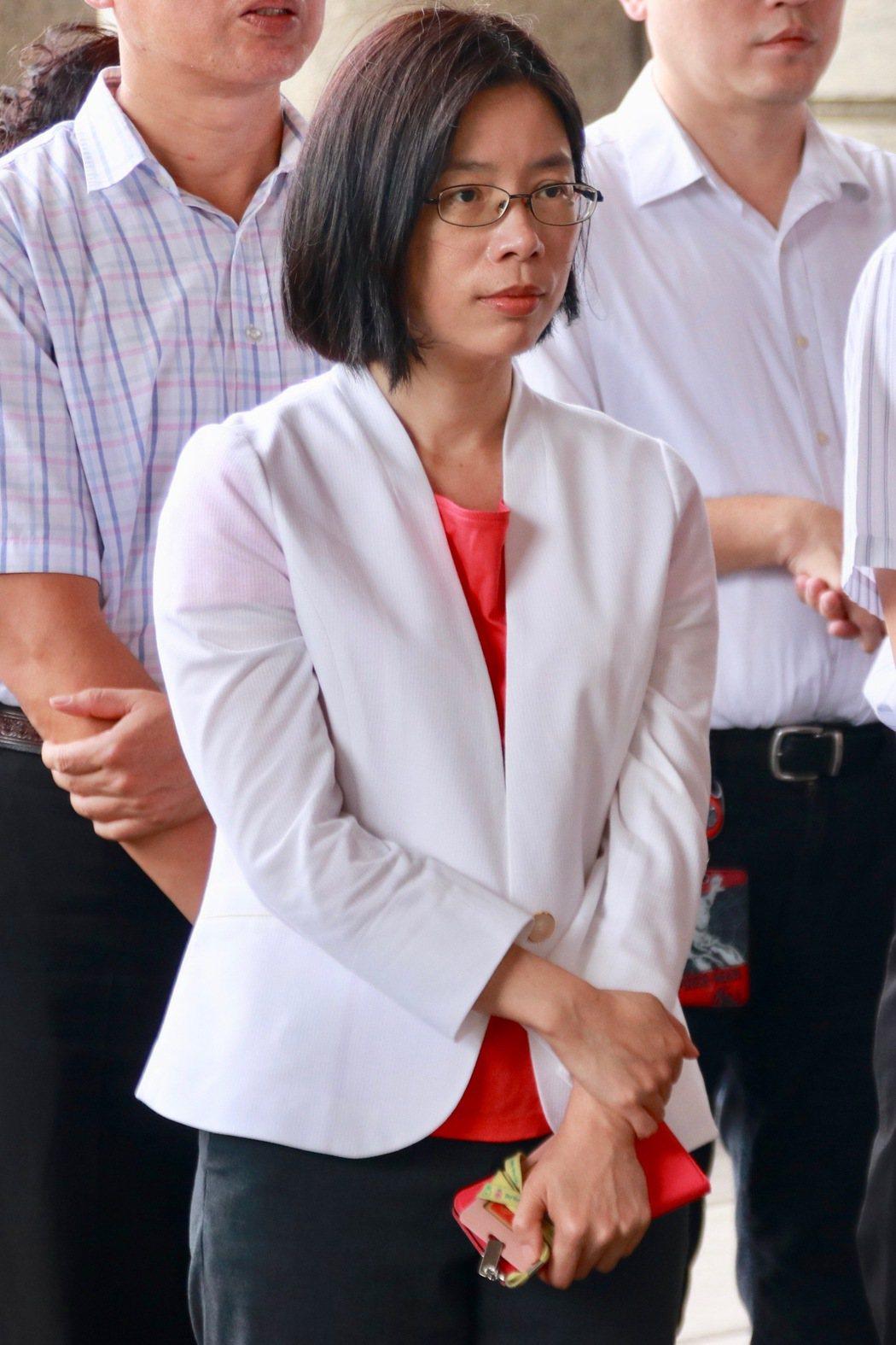 林秀敏是桃園地檢首位女襄閱,多年致力於民生犯罪專組,曾領軍破獲黑心噁蛋、塑化劑工...