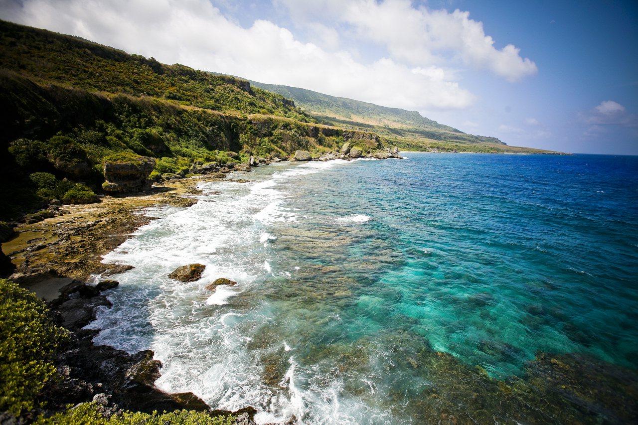 當地知名景點「萬歲崖」美好風光無限。圖/馬里亞納觀光局提供