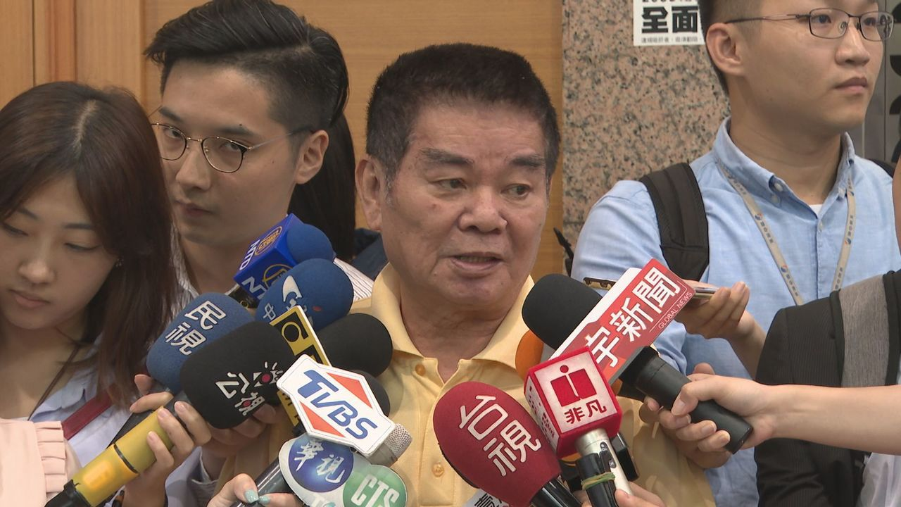 國民黨中常委姚江臨表示,「絕對不會換瑜」,更嗆說如果存有這種幻想的人,「做夢也該...