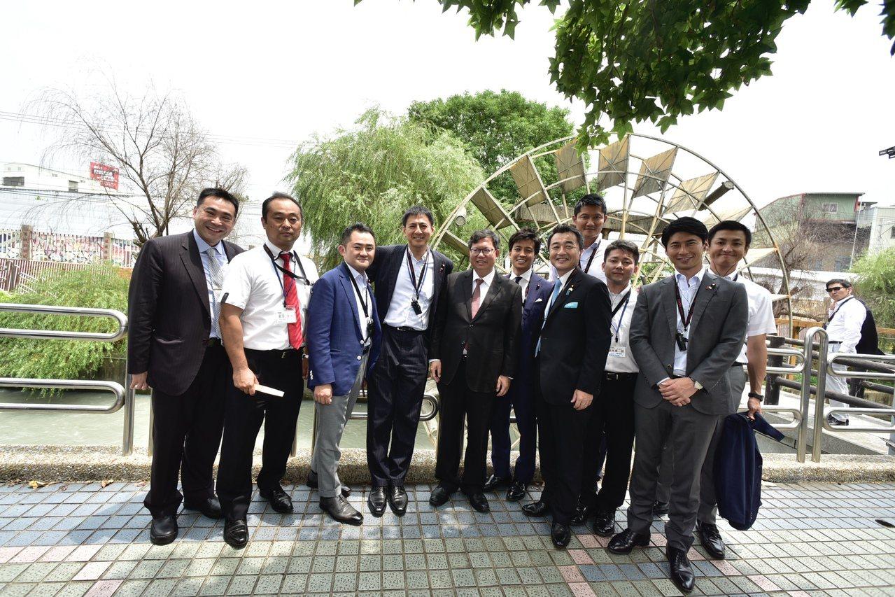 日本自由民主黨青年局訪桃 鄭文燦當地陪