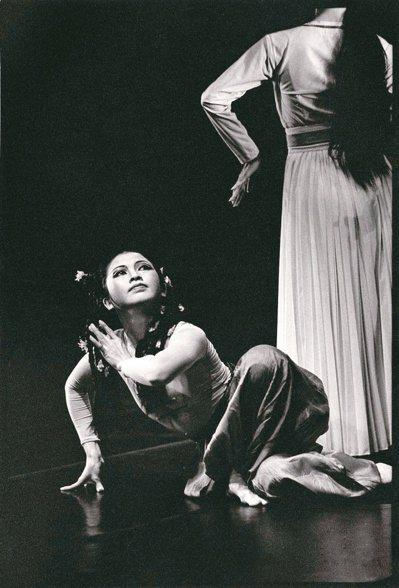 圖一:鄭淑姬演出《白蛇傳》。圖/劉振祥攝影