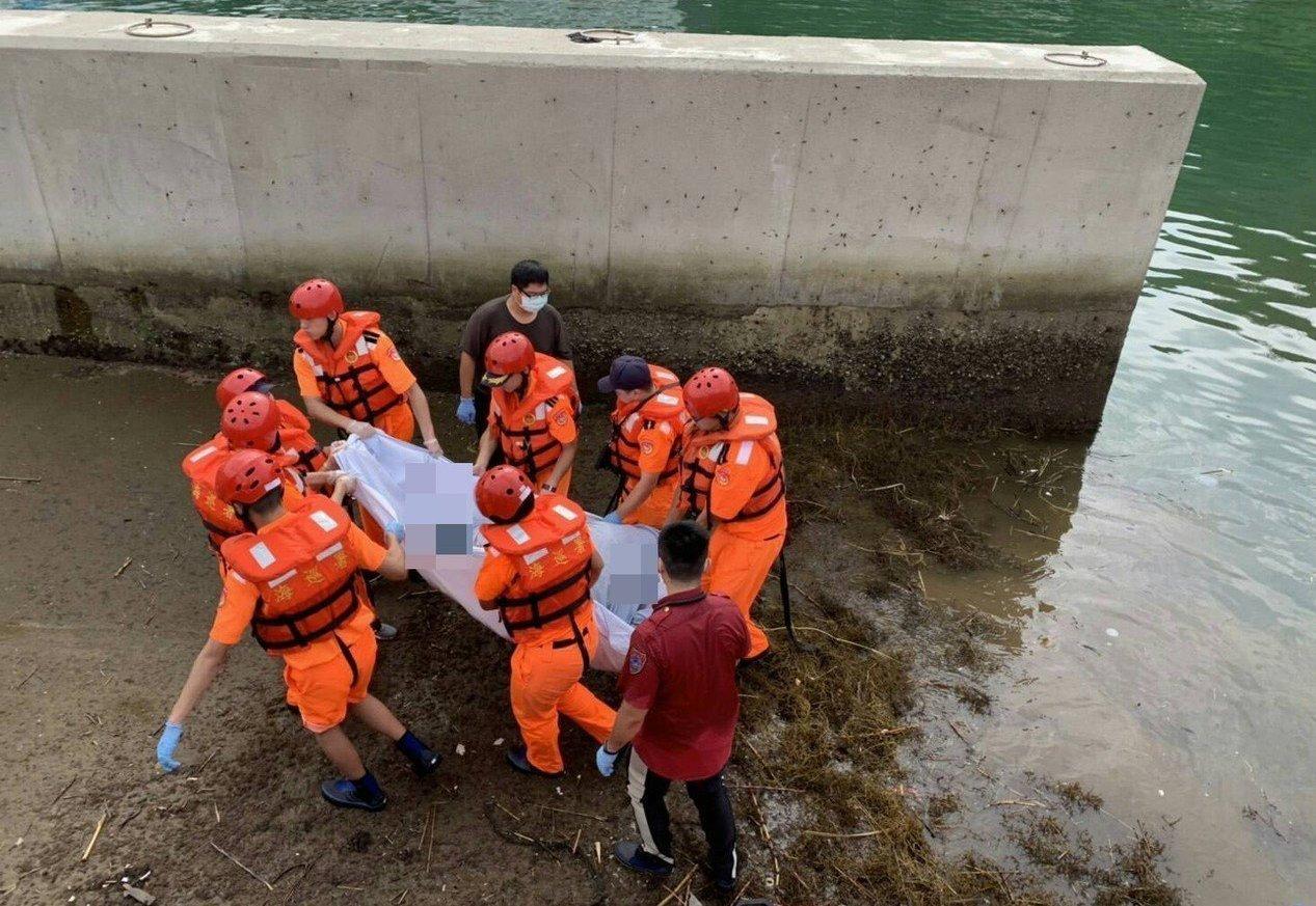海邊各種溺水案件,都看得到海巡人員身影。 圖/海巡提供