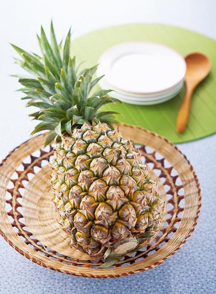 依季節挑選盛產的品種,鳳梨果色綠色代表熟度不足。 圖片提供/台灣好食材(...