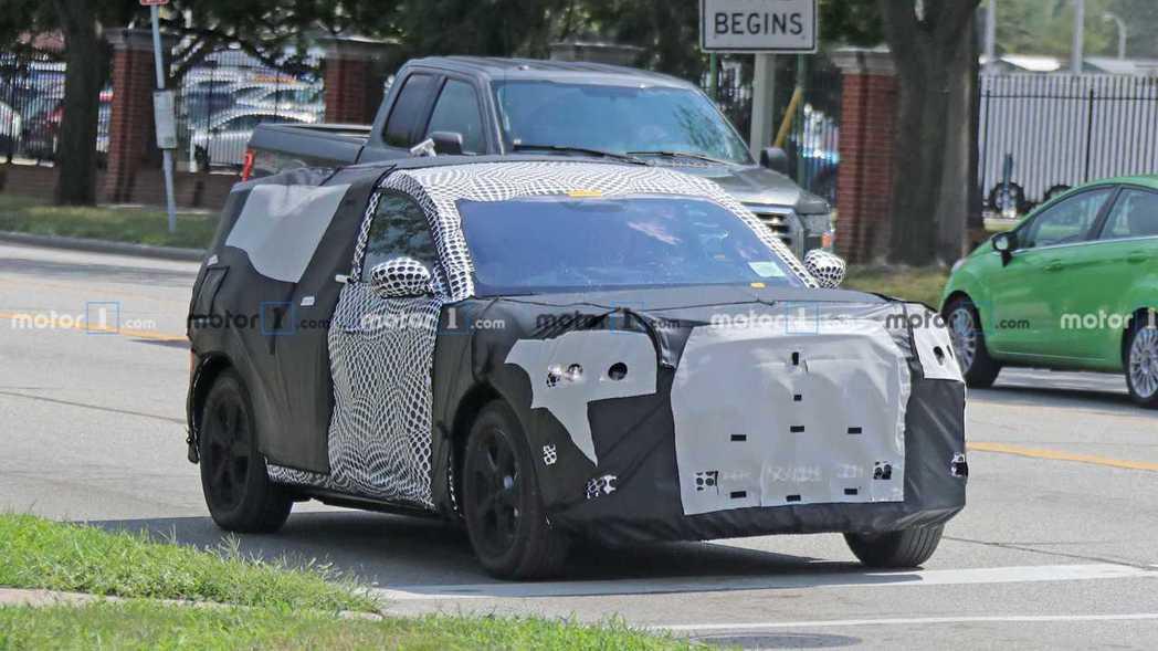 偽裝車上方型的車尾,應該只是Ford想混淆大眾的遮掩法。 摘自Motor 1