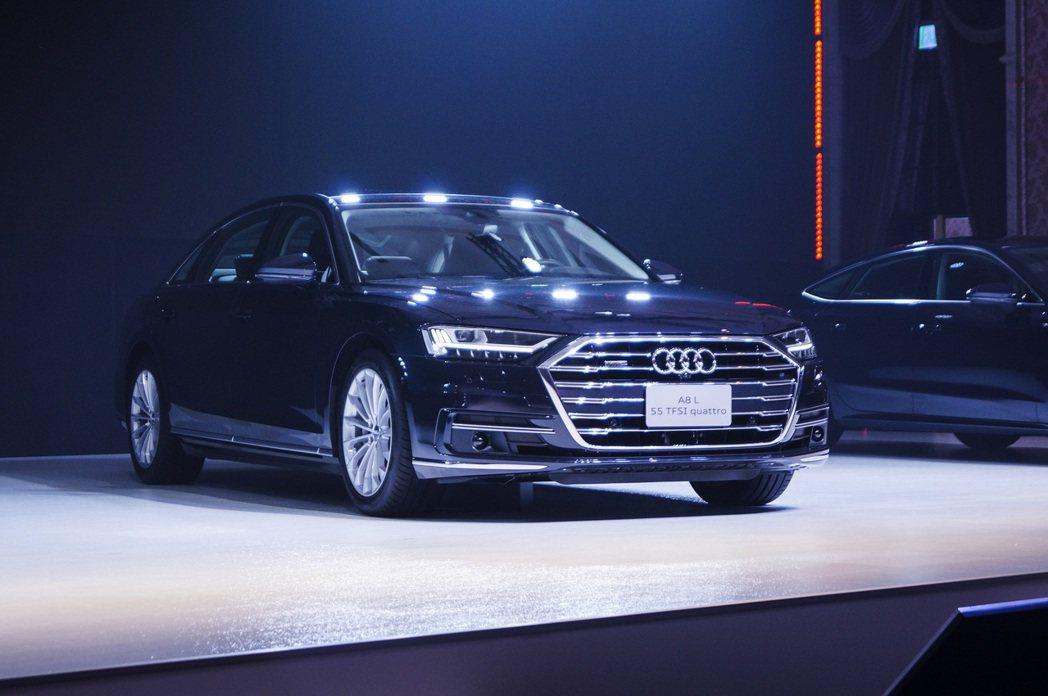 Audi A8 L 55 TFSI quattro premium。 記者趙駿宏...