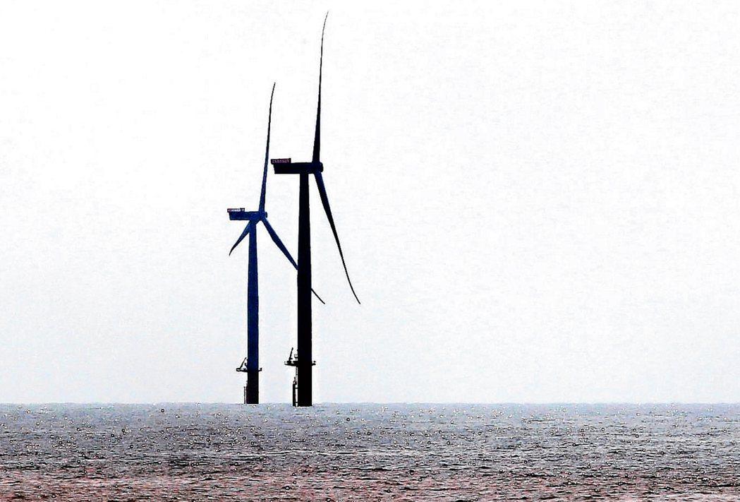 圖為離岸風電機。聯合報資料照