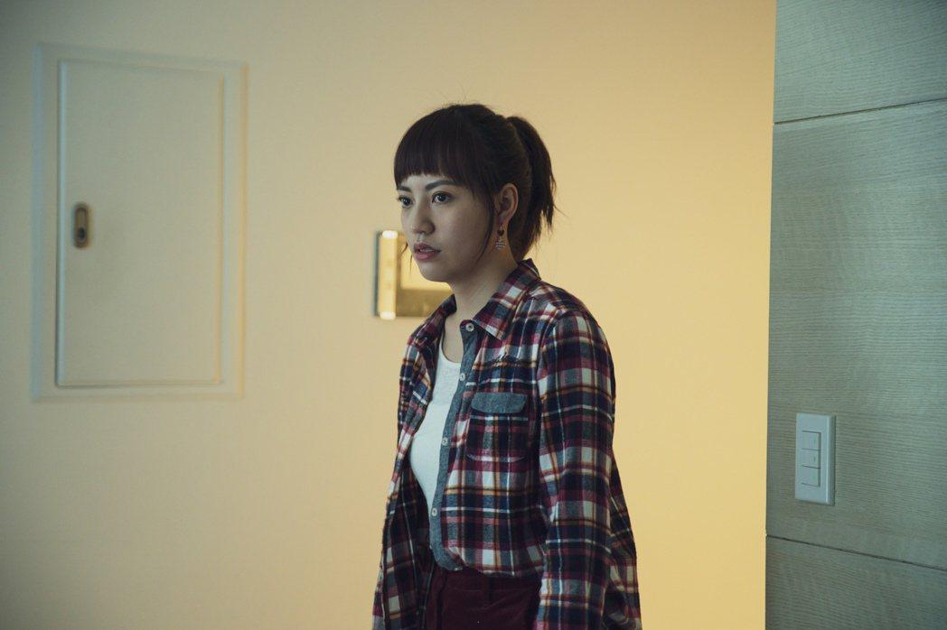 焦曼婷演出「靈異街11號」。圖/LINE TV提供