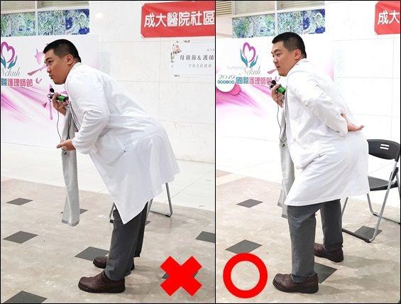 成大醫院物理治療中心劉櫂緯物理治療師提醒大家注意刷牙時的姿勢。圖/成大醫院提供