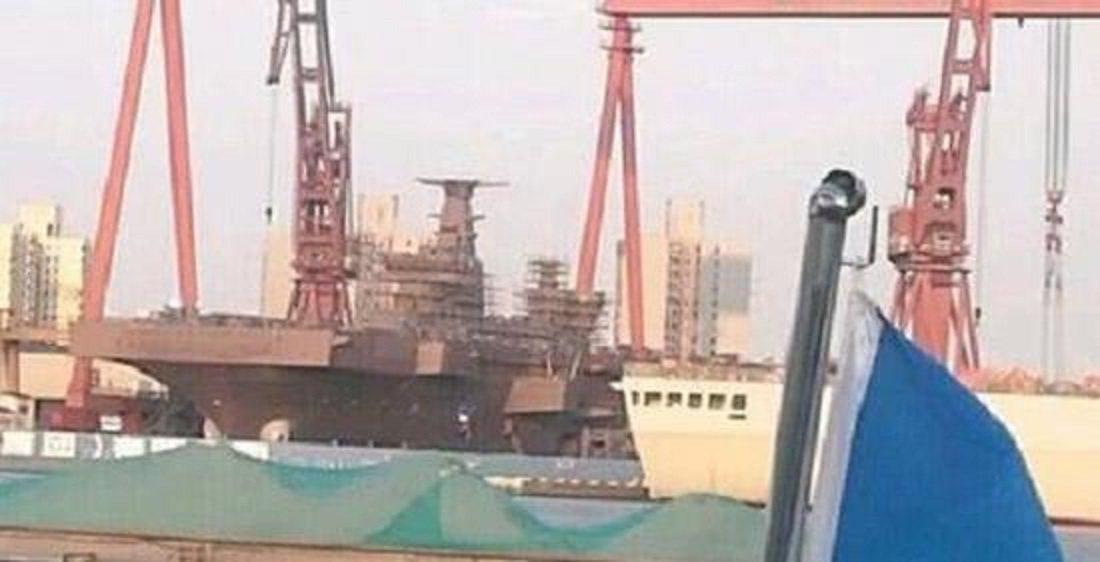 大陸第一艘075型兩棲直升機攻擊艦的照片顯示,可能在未來幾個月內完工。圖/南華早...