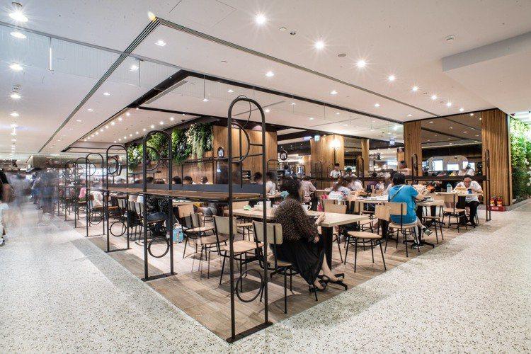 台北101購物中心美食街改裝新開幕,空間動線變得更寬敞。圖/台北101提供