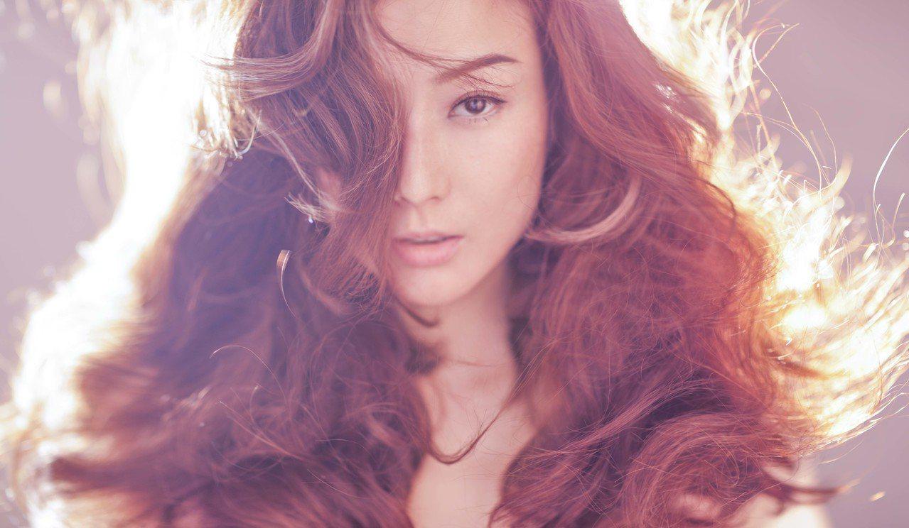 上個月才剛結束「Follow Mi」世界巡迴演唱會香港站的百變時尚天后Sammi...