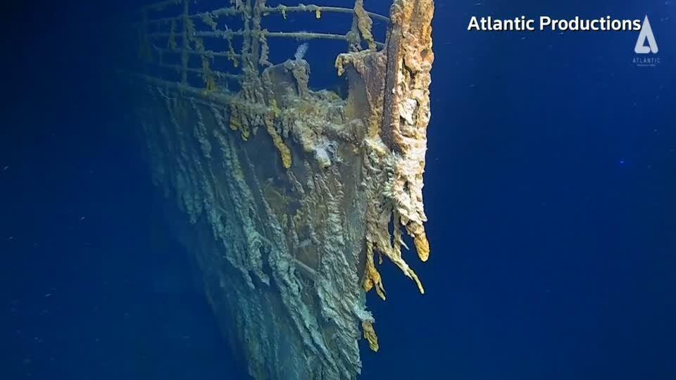 距離鐵達尼號首度重見天日已有14年時間,一組國際深海探險隊近日駕駛潛艇,再度探訪...