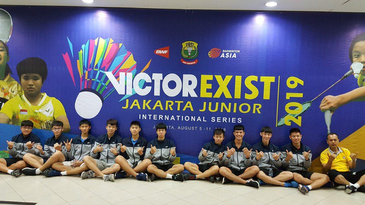 曾世界排名第四選手當教練 基中羽球隊印尼移地訓練