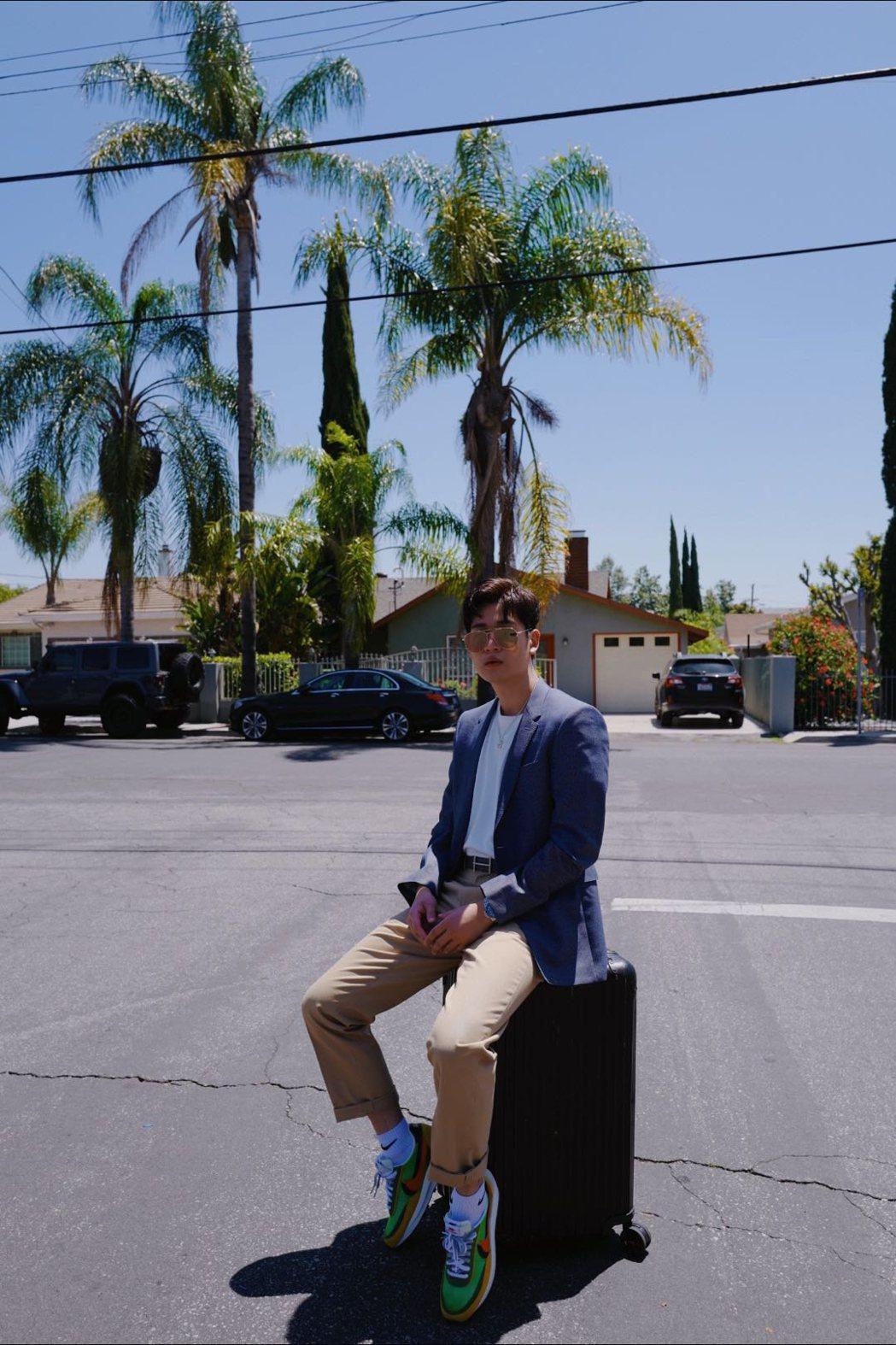 周興哲在高雄開唱之前,推出新歌「Something about LA」。圖/星空...