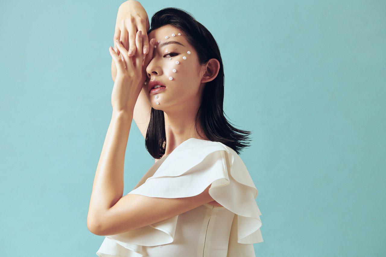 打破傳統,嘉裕西服慶祝50周年時,為台灣設計師成立了Halfme共享電商平台。圖...