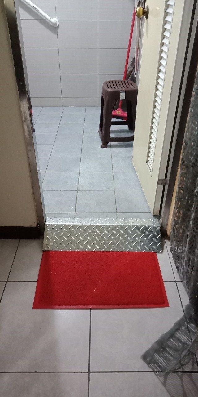 嘉義市有一處身心障礙者家庭托顧站,按規定加裝斜坡道等設計,但至今仍找不到個案願意...
