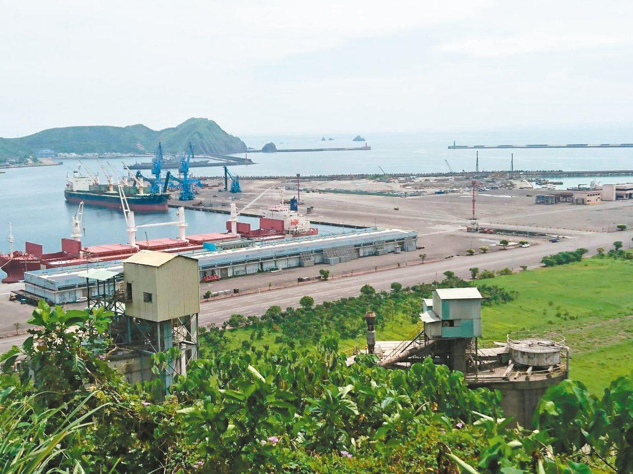 蘇澳砲台山居高臨下,可以俯視海港、太平洋。 記者羅建旺/攝影