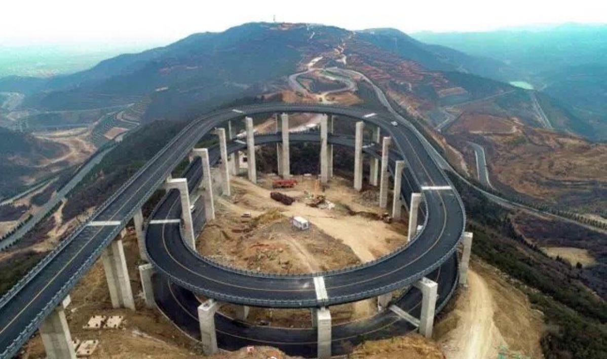 山西天龍山公路已成為網上熱門景點。 圖/摘自山西旅遊網