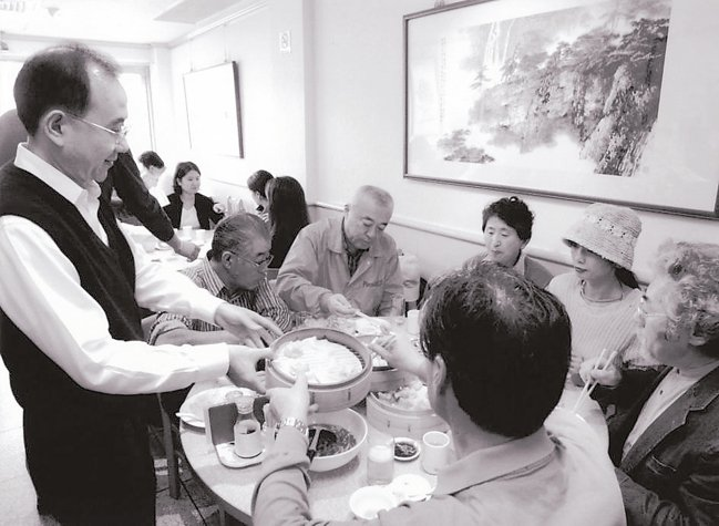 早期的鼎泰豐信義創始店即以小籠包吸引大批饕客。 鼎泰豐提供