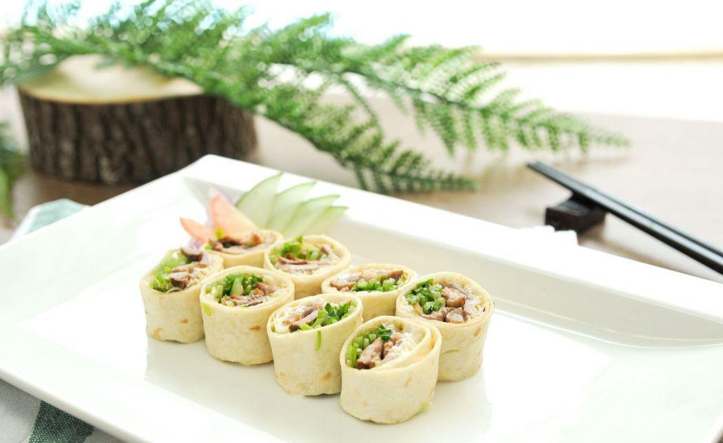 鮮蔬鴨肉捲-一樣的食材教你變出新花樣。  台南大飯店 提供