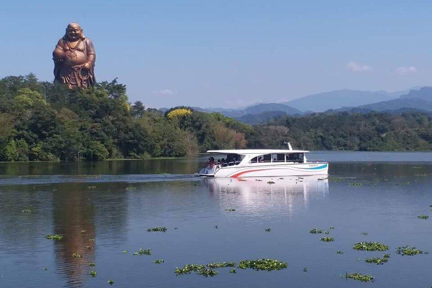 峨眉湖綠能遊艇。 中華大學/提供
