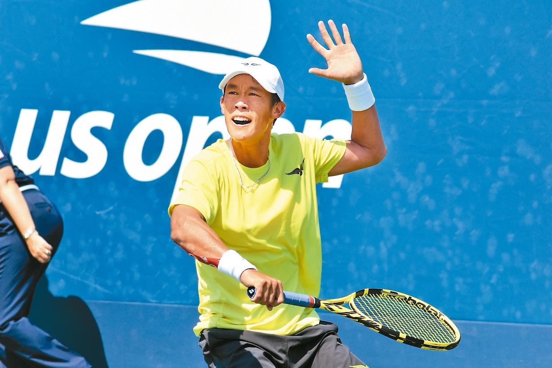 我國網球「一哥」莊吉生結束高雄海碩ATP挑戰賽後轉戰成都,首輪出局。 聯合報系資...