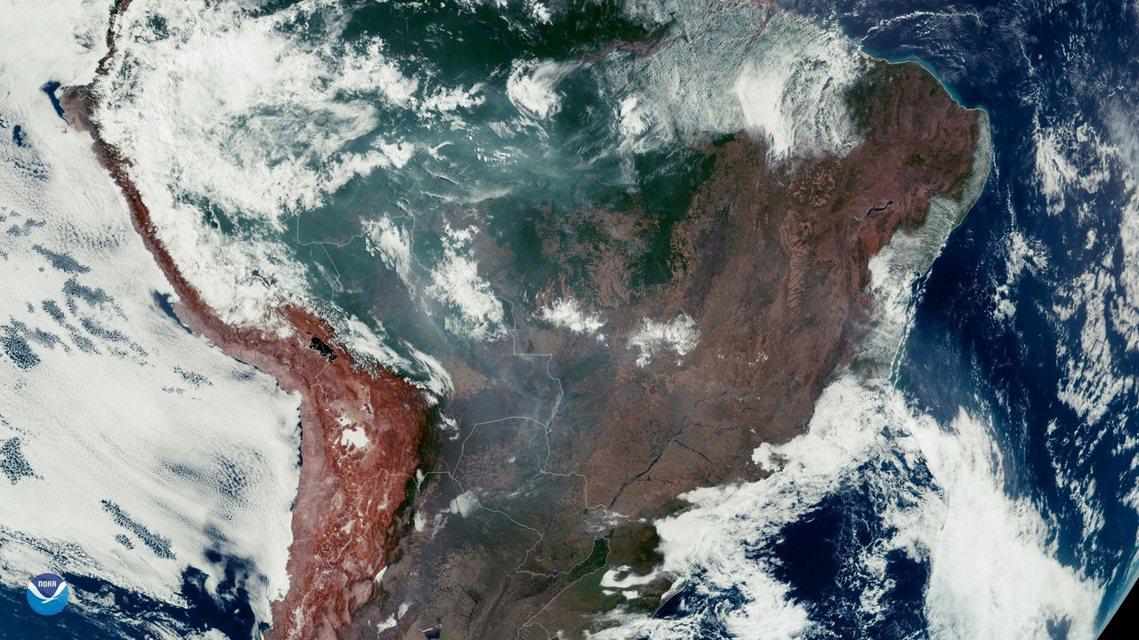 亞馬遜大火的衛星空拍圖。 圖/路透社