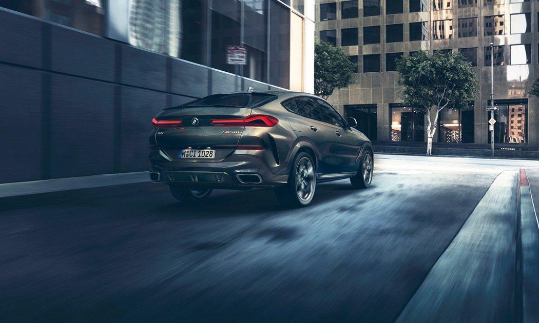 全新世代BMW X6注入更多跑車元素,LED 3D立體尾燈與車尾線條採用與BMW...