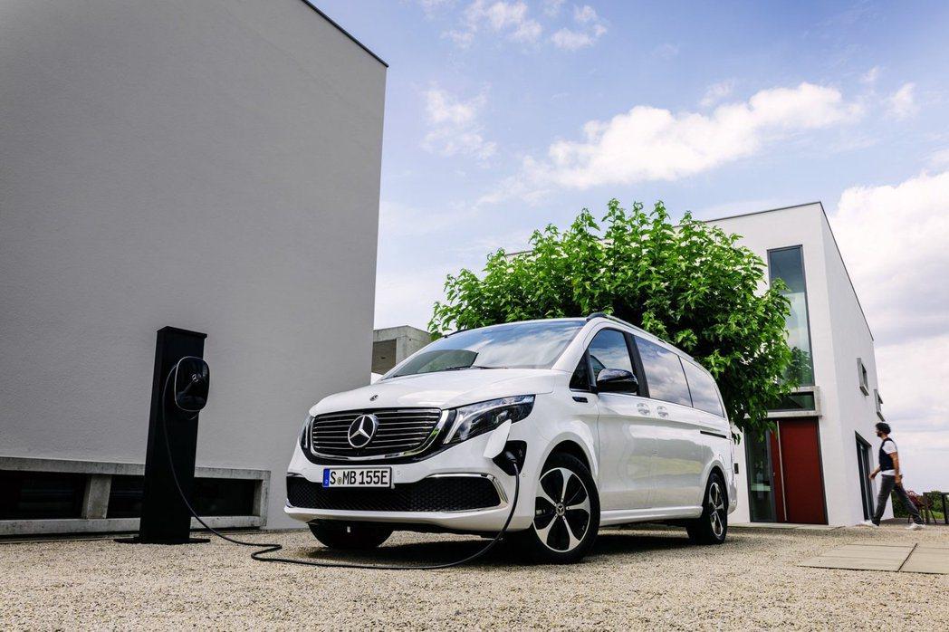 Mercedes-Benz EQV最大續航距離可達405公里。 摘自Merced...