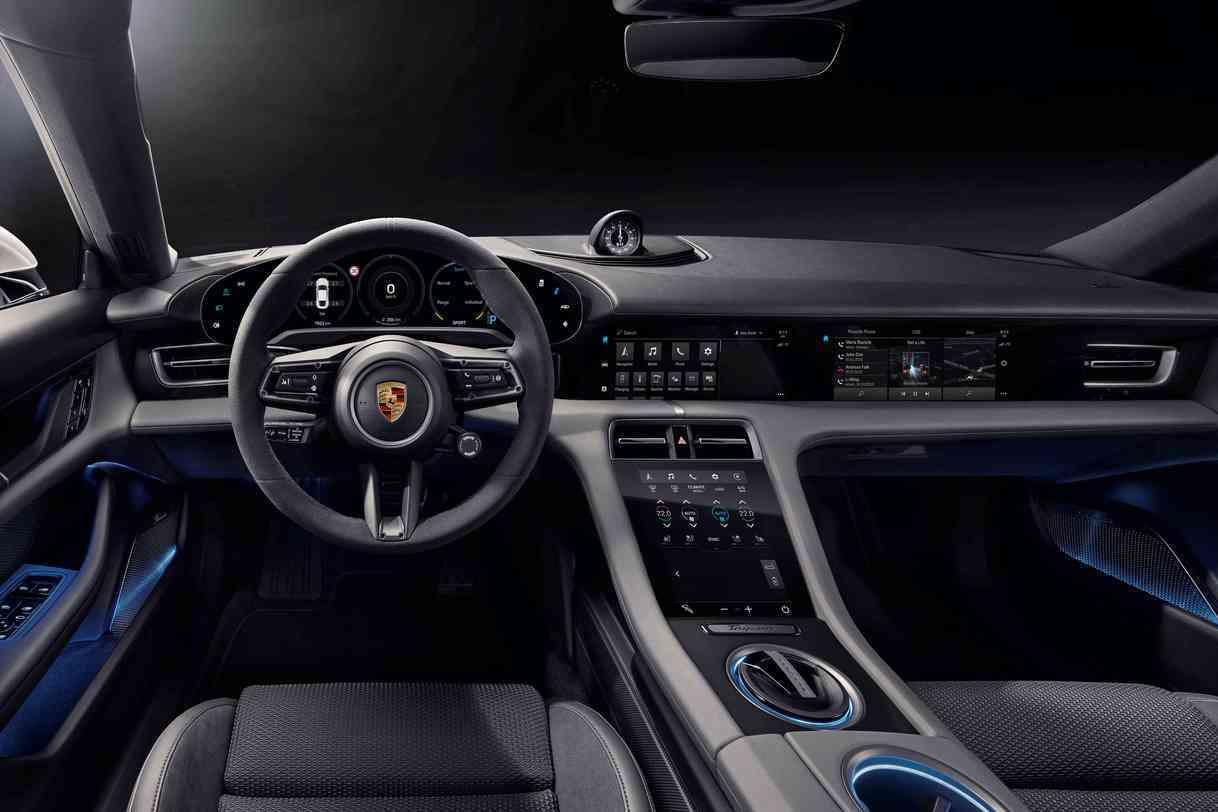 連副駕駛座都有螢幕! 全新Porsche Taycan內裝優雅露出