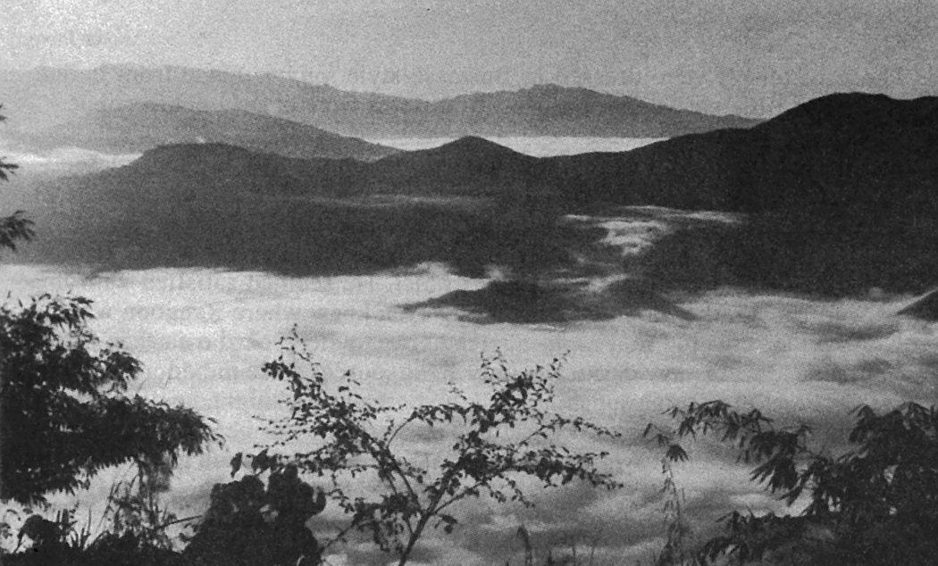 從緬甸側瞭望的那迦山地群的帕特開山脈;圖、文/馬可孛羅出版《直擊緬甸內戰現場:一部穿越印度、緬北到中國的2275公里採訪實錄》