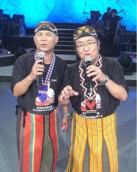 「北原山貓」吳廷宏(右)6月底小中風。圖/摘自臉書