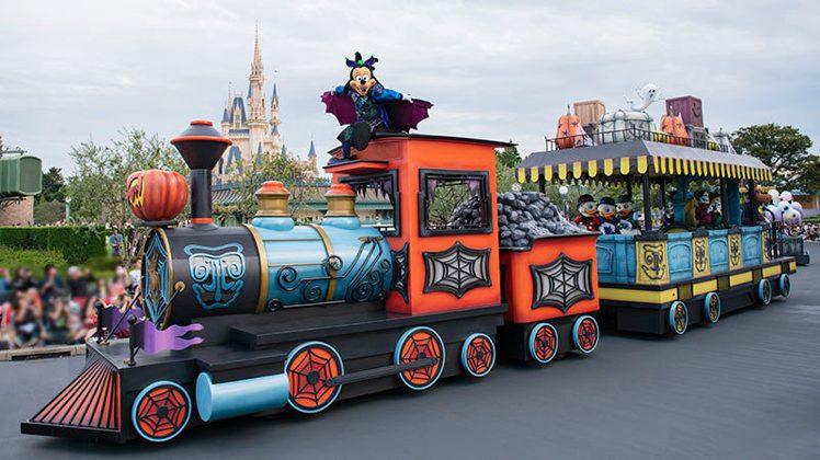 東京迪士尼樂園今年萬聖節安排有「Boo!幽靈怪誕大遊行」等主題活動。圖/擷取自東...