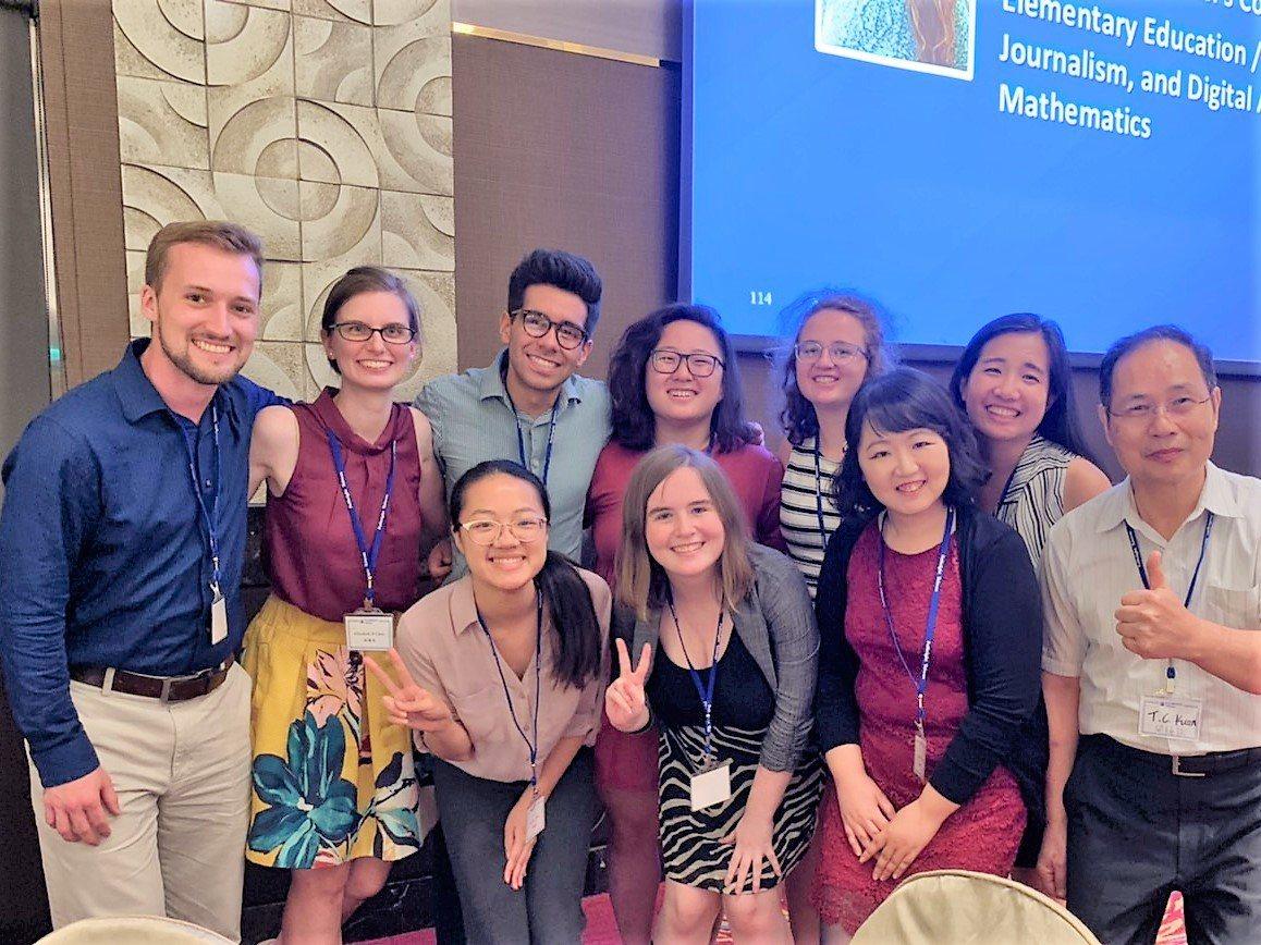 由台灣學術交流基金會協助引進的8名美籍英語協同教學助理今天在雲林縣進行師資培訓。...