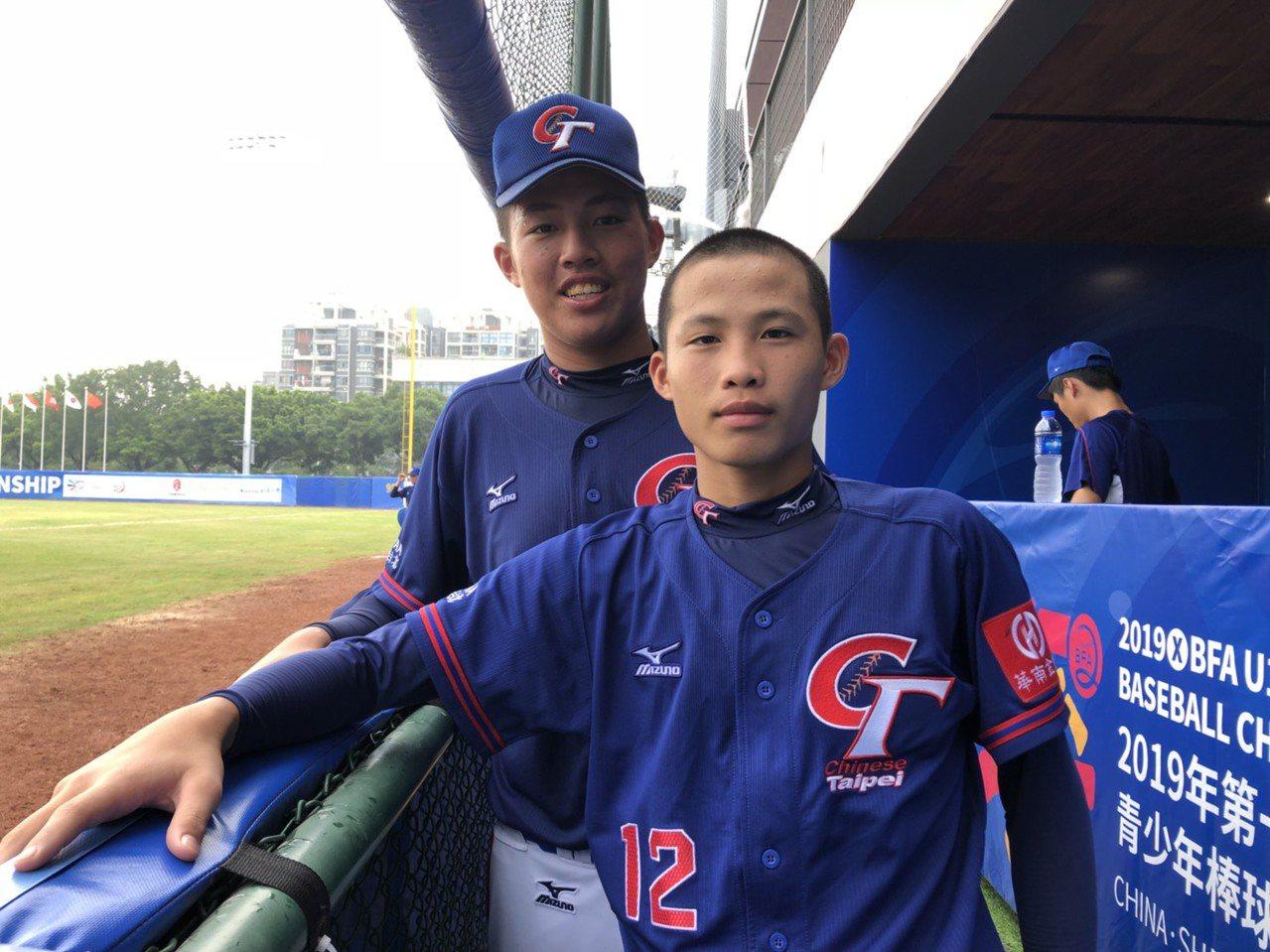 U15亞洲青少棒錦標賽,中華隊複賽首戰大陸隊,先發投手林詔恩(前)與第二任投手辛...