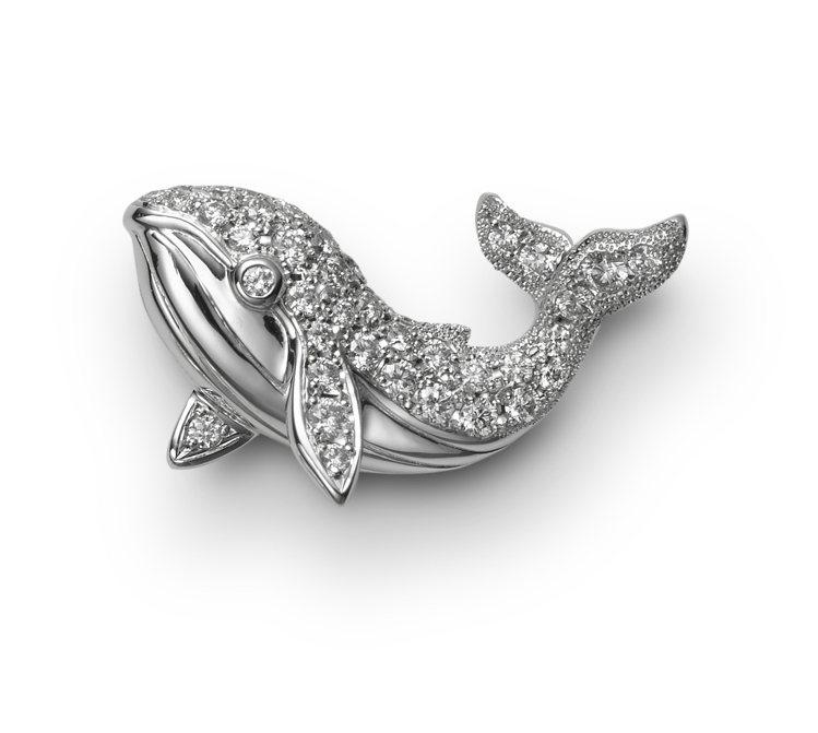 MIKIMOTO鯨魚造型胸針,11萬9,000元。圖/MIKIMOTO提供