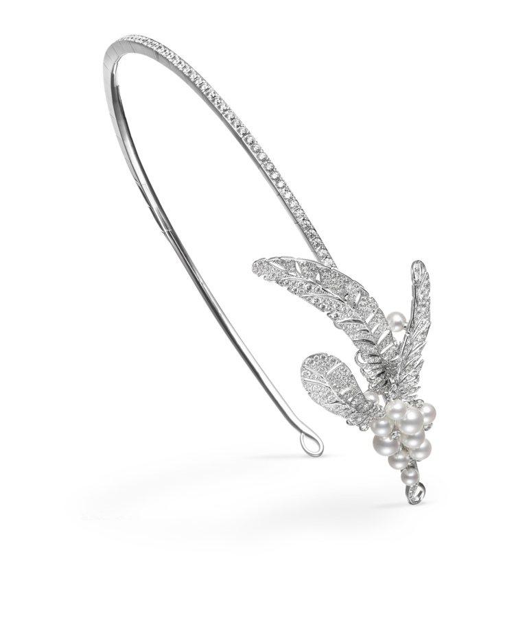 MIKIMOTO頂級珠寶系列珍珠髮飾與耳環,507萬元。圖/MIKIMOTO提供