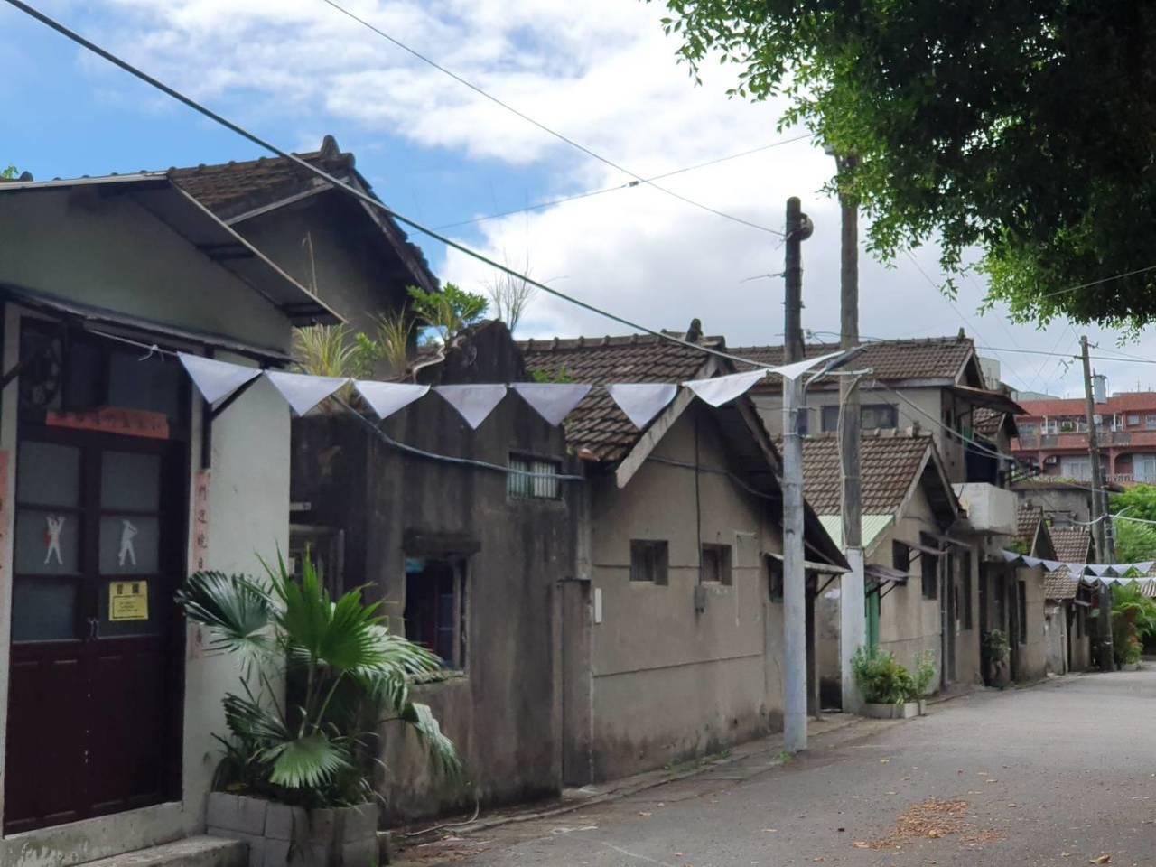 尋老兵爺爺的回憶 女大生住眷村學傳統建築工法