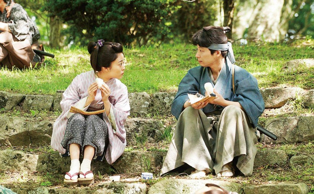 高畑充希飾演前任搬家大臣的女兒於蘭。圖/捷傑提供