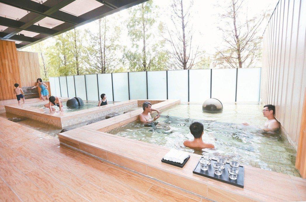 高資產客戶喜愛購買「溫泉宅」作為休閒會館。記者蘇健忠/攝影
