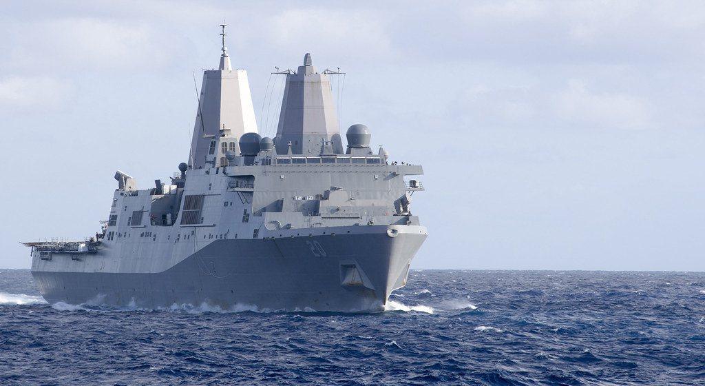 美軍聖安東尼奧級船塢登陸艦「綠灣號」(USS Green Bay LPD 20)...
