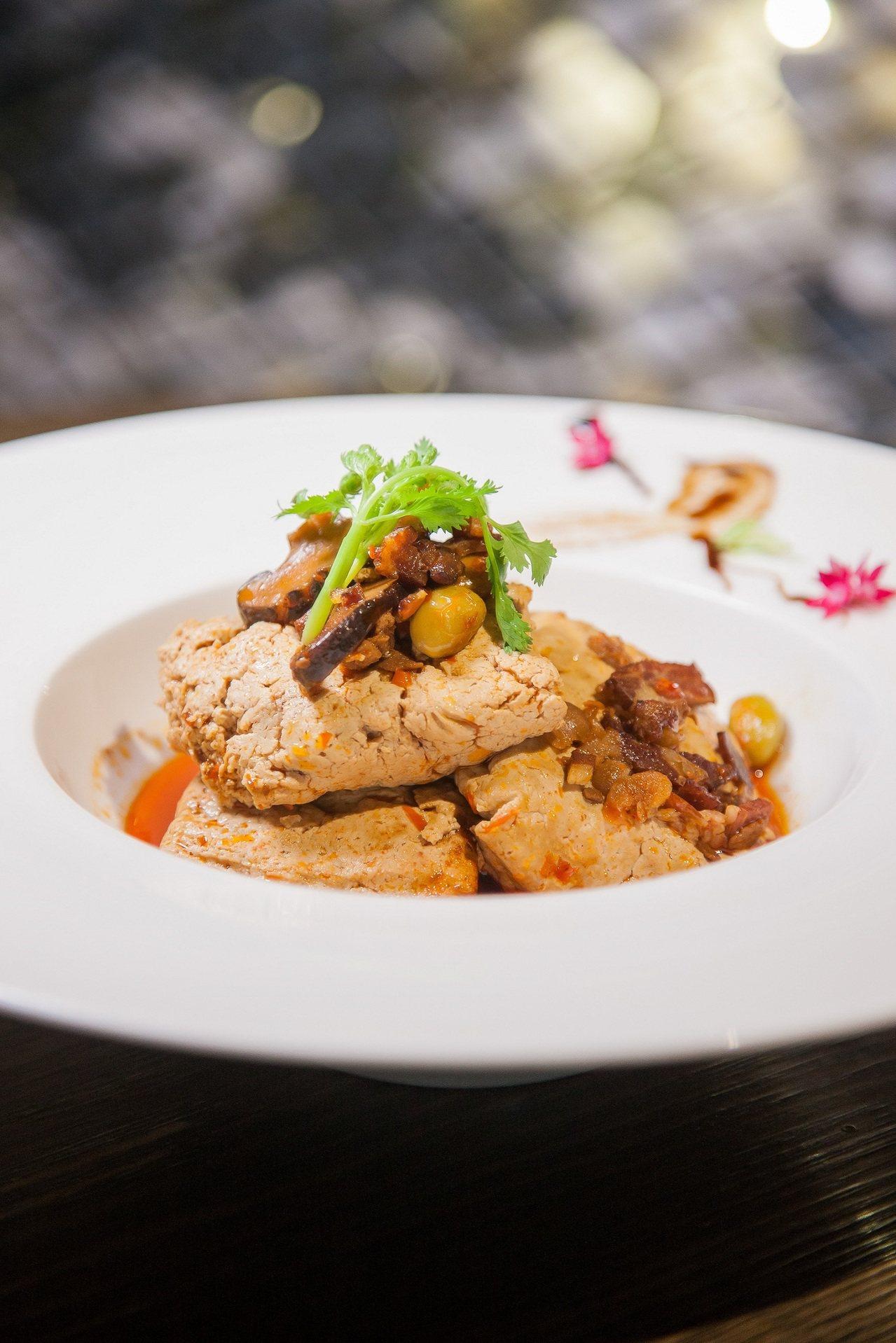 被譽為台北最好吃的清蒸臭豆腐。圖/羅東村却提供