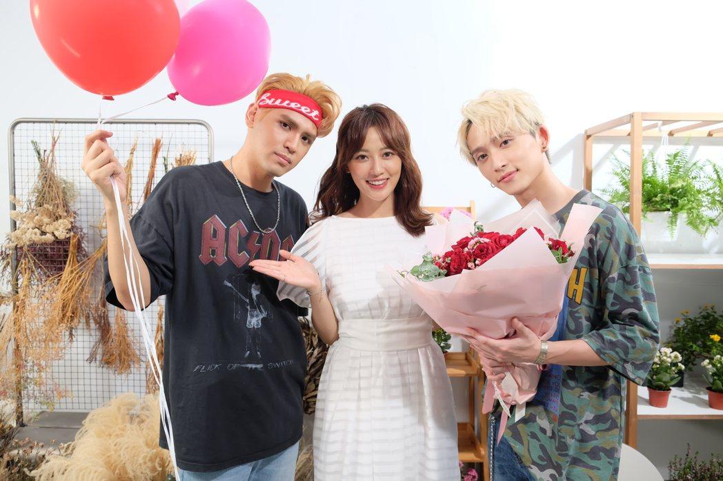 陳零九(左)與邱鋒澤(右)新歌MV中上演三角戀。圖/滾石唱片提供