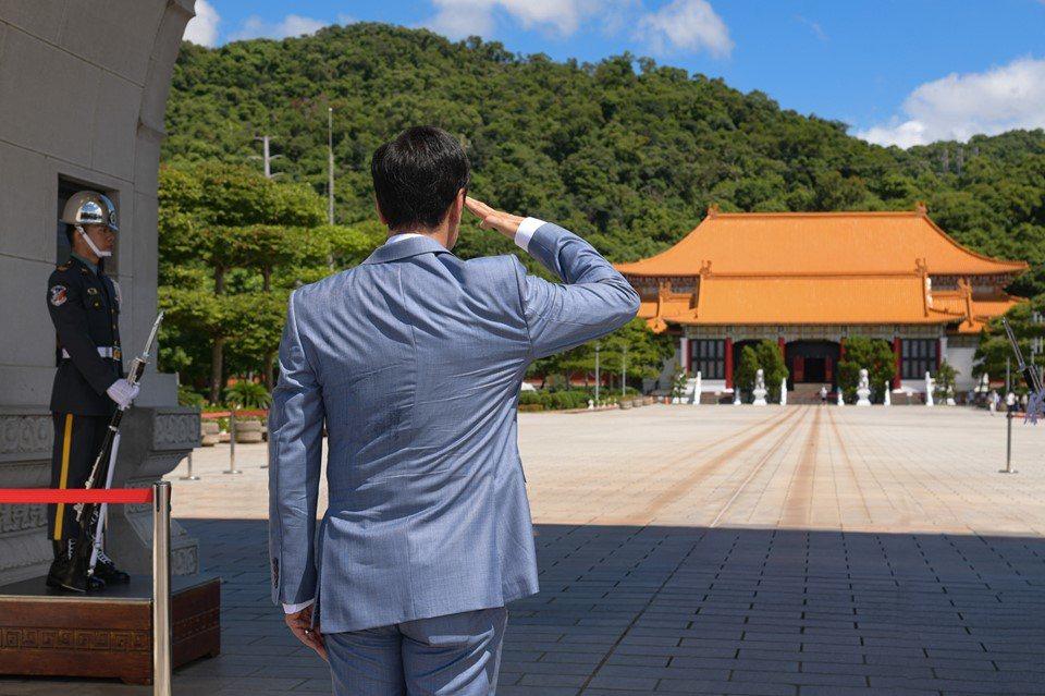 八二三砲戰61週年,鴻海創辦人郭台銘今晚在臉書發文,最後表示,我們的國家,中華民...