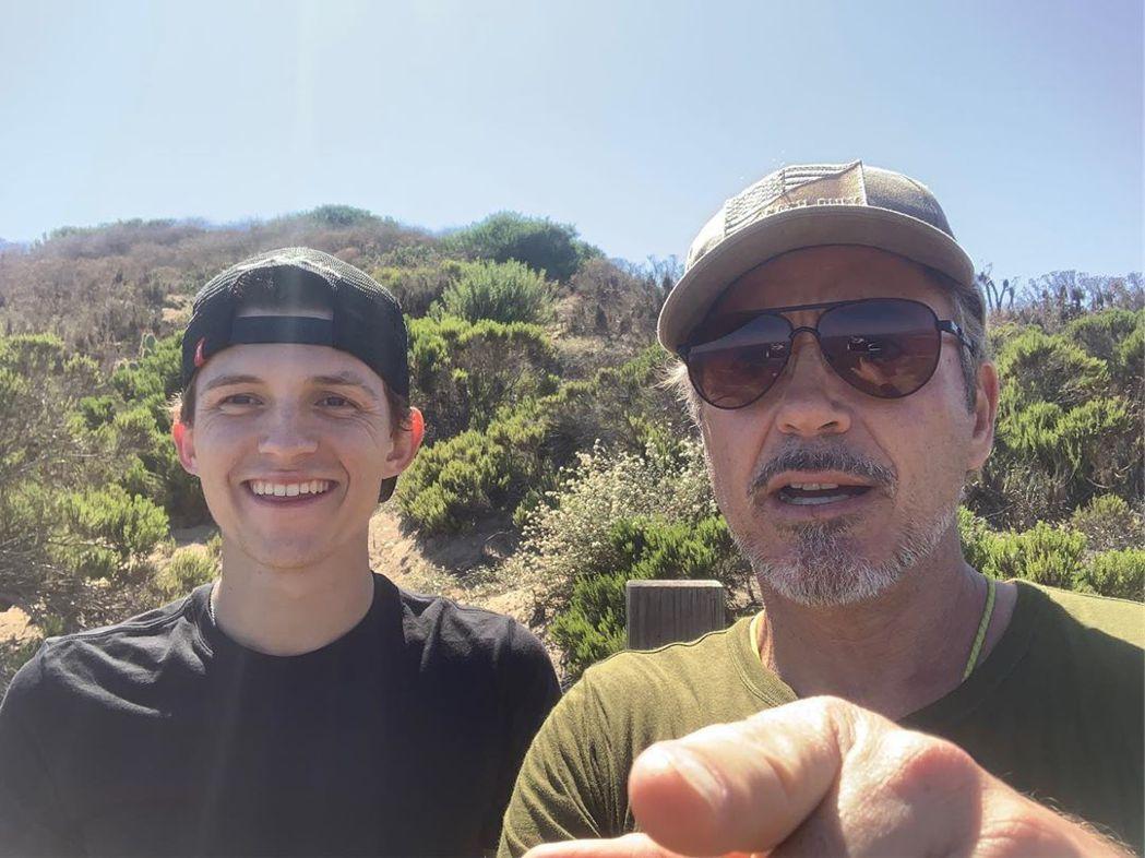 湯姆霍蘭德與小勞勃道尼至今仍會相約出遊。圖/摘自Instagram
