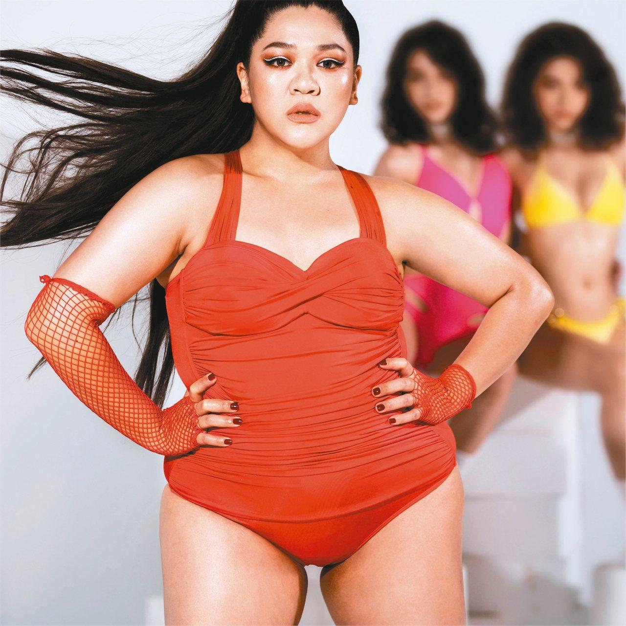 Voda Swim邀請穿搭風格鮮明的女星劉紀範Amanda入鏡形象廣告,宣揚撕去...