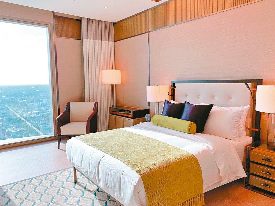 臥室採用飯店風格設計,高貴且典雅。 特派記者徐力剛/攝影