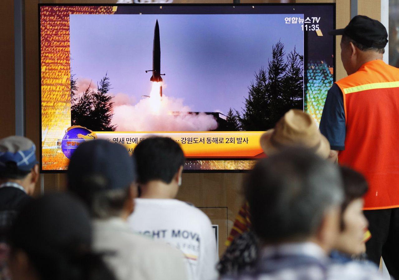 圖為北韓發射不明飛行物,南韓電視台新聞畫面。 歐新社