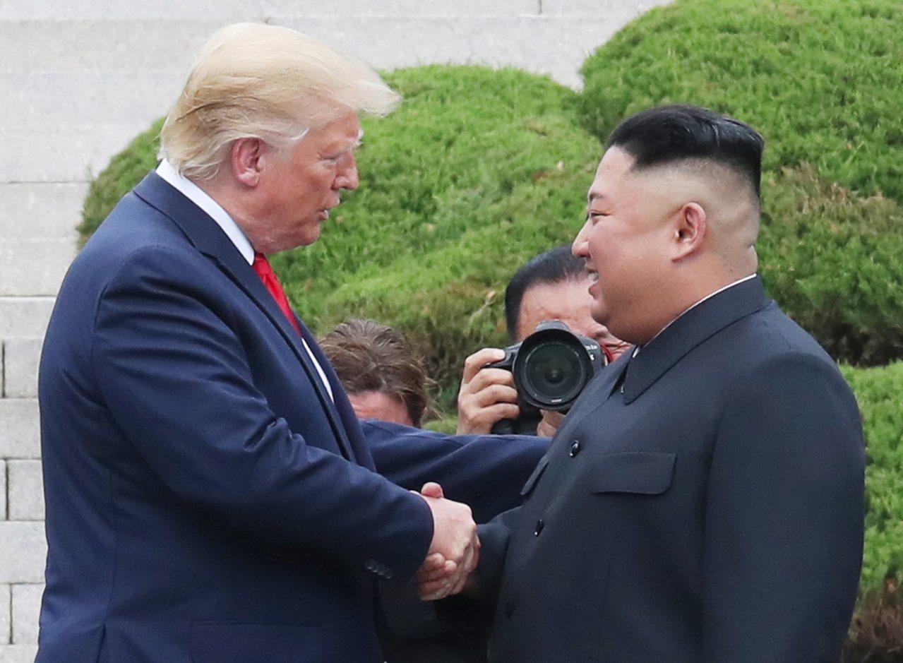美國總統川普6月於板門店會見北韓領導人金正恩。 歐新社